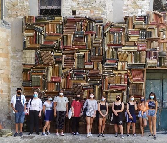 Foto di gruppo dei partecipanti al corso.
